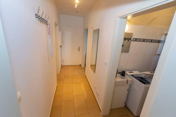 AVR Apartment HOF 8