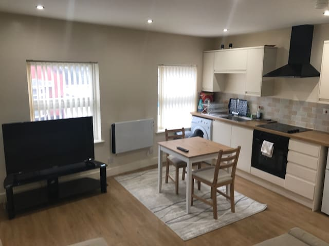 Charming 1 Bedroom Apartment - Liverpool - Apartment