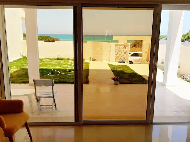 Villa Trésor Pieds Dans s+3 Plage Ezzahra  KELIBIA