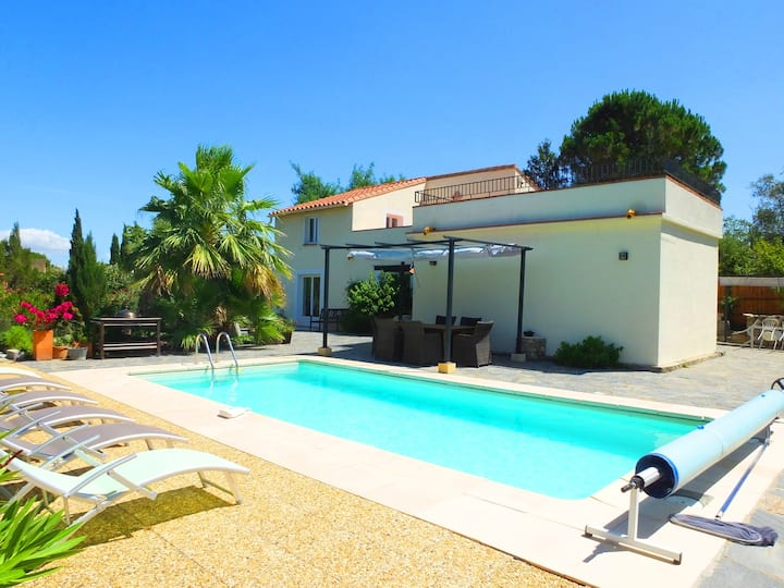 Ceret - Lovely Villa with Pool, Garden & A/C