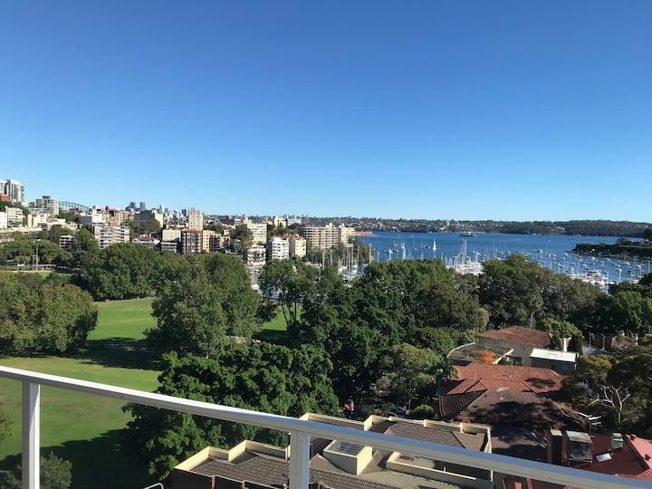 Luxury Top Floor Apt With Panoramic Harbour Views