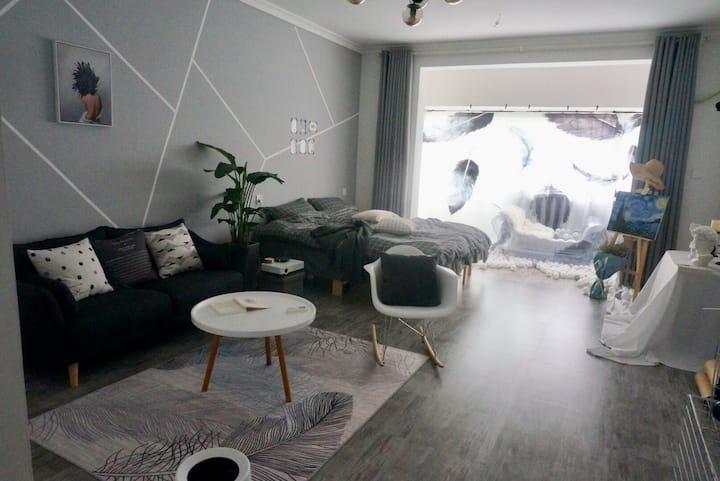 【简寓】民宿  独立 巨幕投影 大床房 云天宫 大润发附近