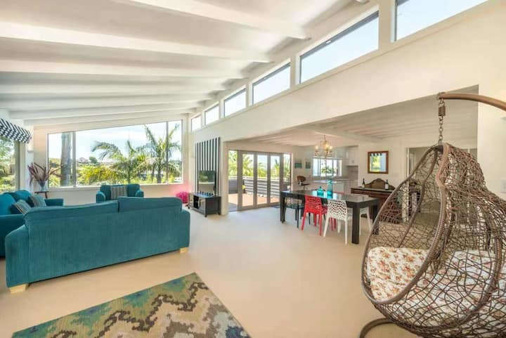 Castor Bay Holiday House