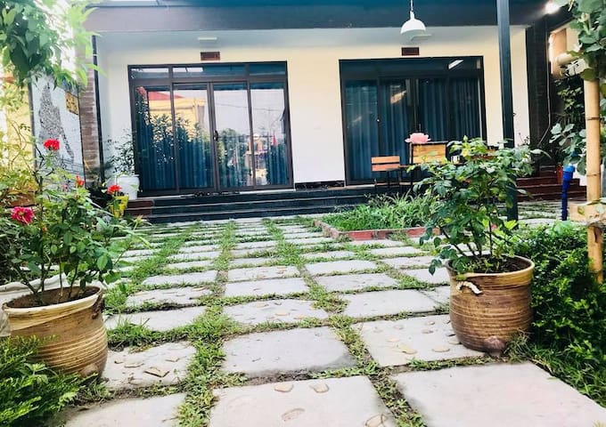 CO TO CENTER HOMESTAY