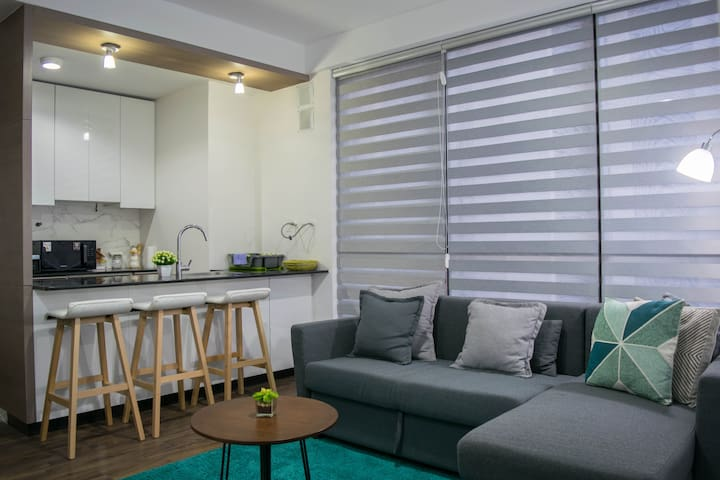 ► Amazing Location - New and Modern Apt in LP