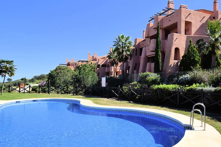 Beautiful apartment with stunning views, near the resort El Soto de Marbella