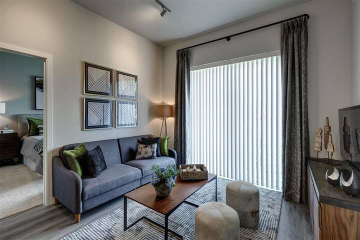 A place of your own | 1BR in Des Plaines