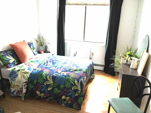 Bright Spacious Cozy Bedroom in Lower East Side