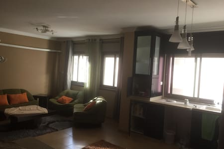 Cozy modern 3 bedroom apartment - Ramallah - アパート