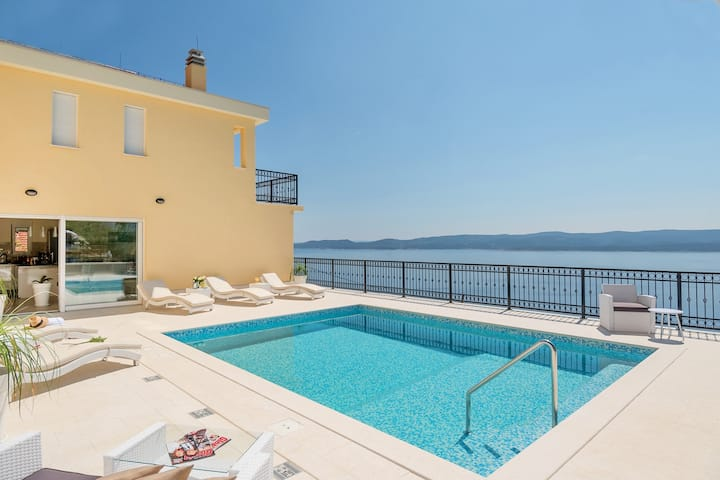 Villa Sun Palace a luxury 5 bedroom villa with amazing panoramic sea views