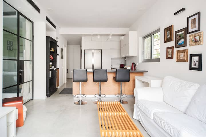 Young Modern Designed 2BD APT  In the heart of TLV