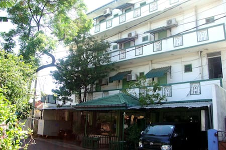 Green Park Beach Hotel - Bed & Breakfast