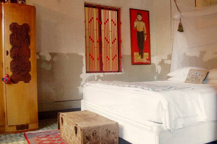 Bric-à-Brac art stay Coloniale room - Krong Battambang - Bed & Breakfast