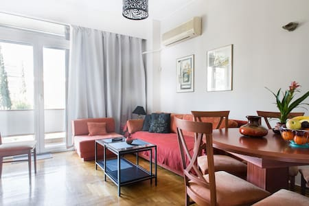 Central, new and fully equipped flat - Athina