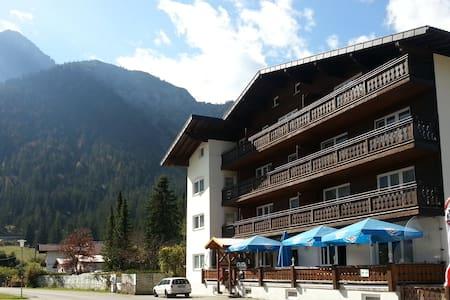 Große Ferienwohnung nahe Zugspitze - Heiterwang