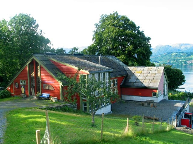 Lovely apartment at organic farm - Norheimsund - Apartamento