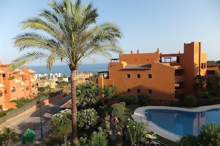 Ap: view to sea, terrace, a/c, WiFi - Estepona - Apartamento