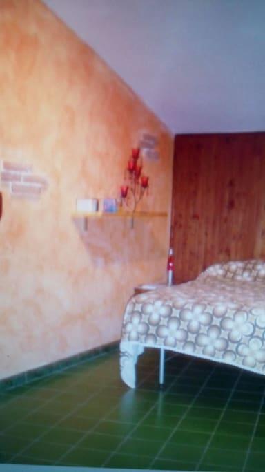 stanza matrimoniale con possibilità di un letto aggiuntivo