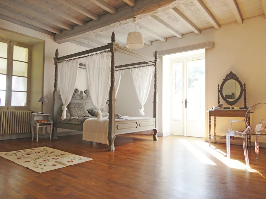 Chambre MARQUISE Très grande chambre lit 160 + 2 lits 1 place