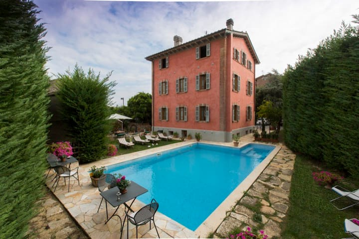 B&B near center private parking swimming pool 5 - San Gimignano - Bed & Breakfast