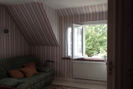 Appartement dans maison ancienne - Huoneisto