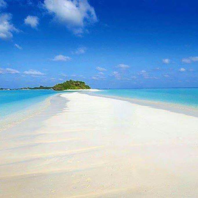 The beautiful long tail beach of Dhigurah island