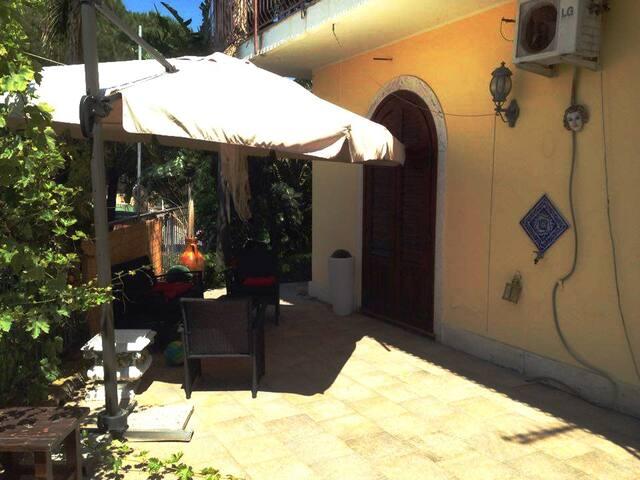 Casa Vacanze Villa Alberto - Giardini Naxos - Villa