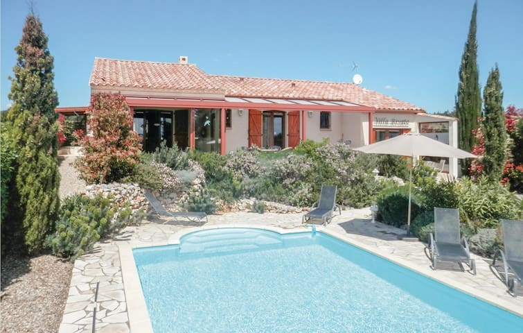 Holiday cottage with 3 bedrooms on 125m² in Assignan