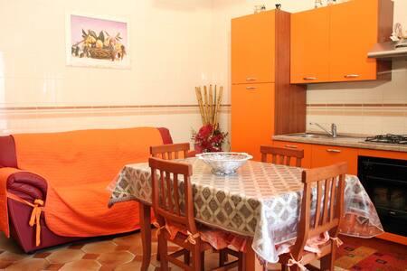 Casa indipendente centro storico - Zapponeta