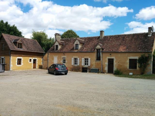 Chambre dans une ferme percheronne - Saint-Germain-de-la-Coudre - Dom