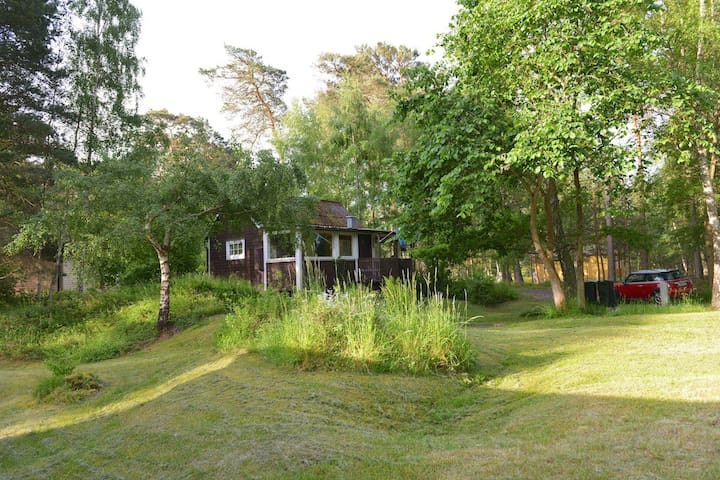 A cottage close to the beach. - Åhus - Kabin