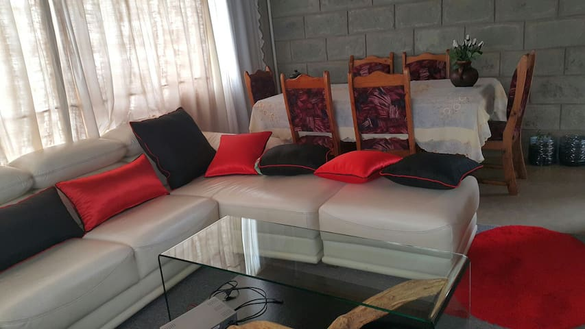 Naivasha Great Getaway - Karate Town House