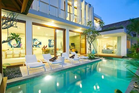 Villa Azure- Luxury, Spacious in Upscale Seminyak