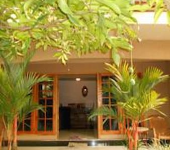 House of Esanya/private room near the airport - Negombo