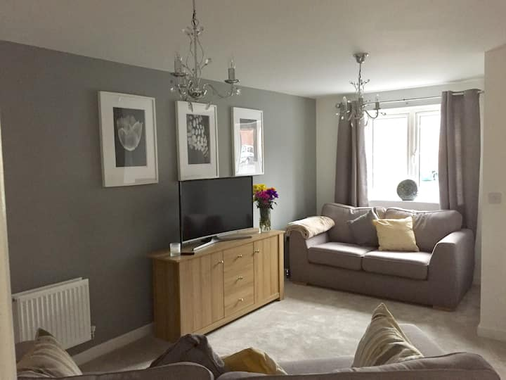Modern stylish 2 bedroom house in Cardiff