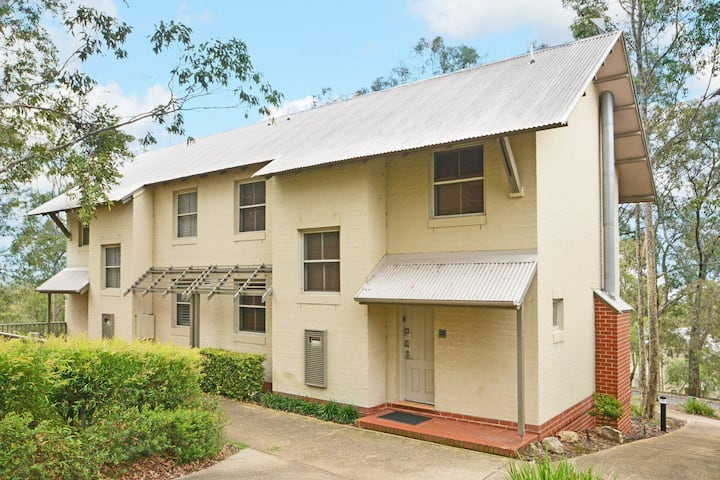 Villa Executive 2br Rose Resort Condo located within Cypress Lakes Resort (nothing is more central)