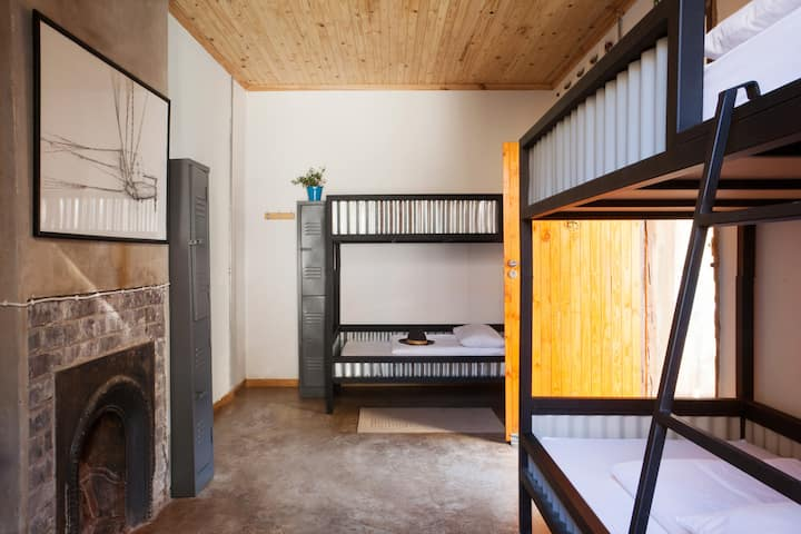 4 Bed Mixed Dorm, rate for 1 person