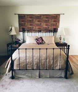 Casa Miramonte Robin Room - Carmel Valley