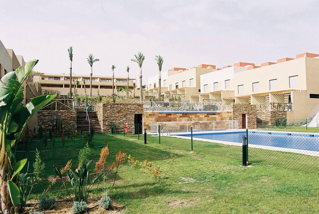 Dos piscinas de 25m