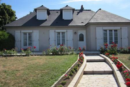 Chambres  dans magnifique maison - Veigné - House