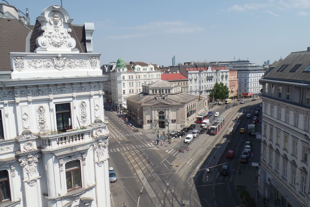 View from the last floor into the city with the UNO-Headquarter in the background