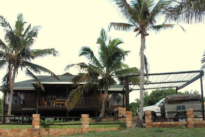 Casa Paratras private House (Driftwood Lodge) Tofo