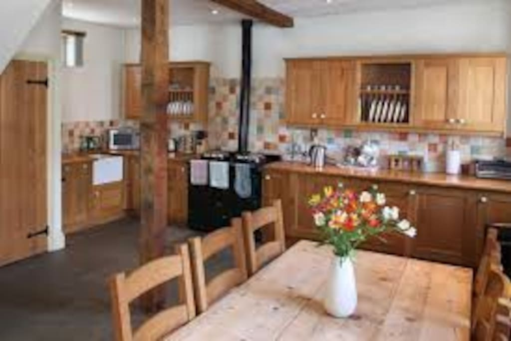 Spacious open plan kitchen in Hound Tor Cottage