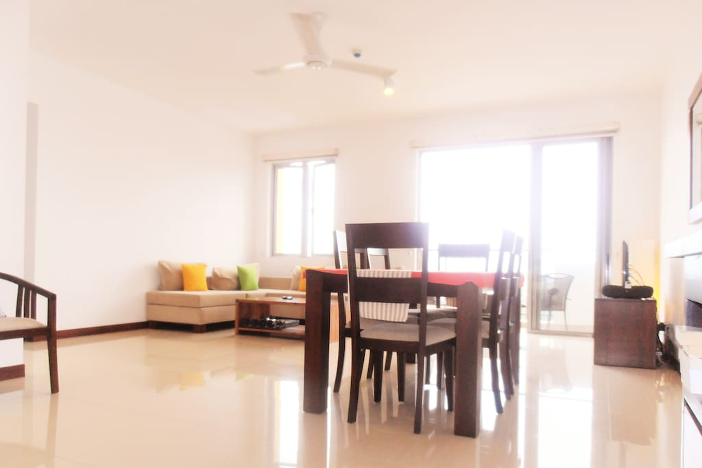 Open plan lounge and dining area (seats 6), WiFi enabled, balcony with views of lake and Colombo