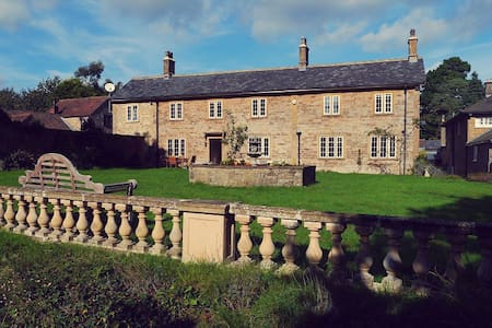 18th Century Farm house in Somerset DEEP CLEANED