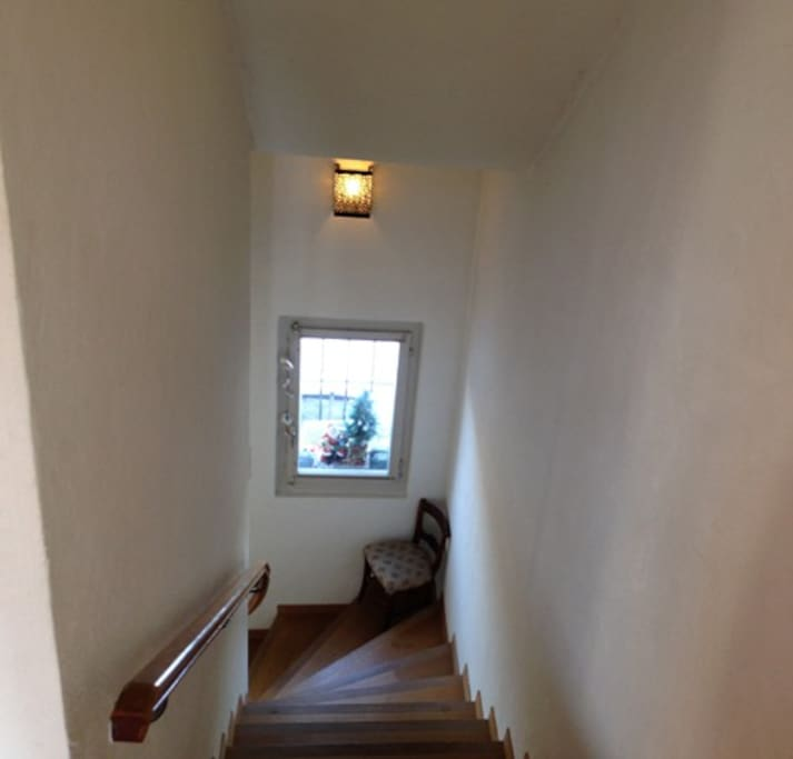 Escalier permettant d'accéder à la chambre