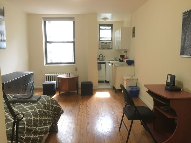 Beautiful Studio in Prime Manhattan Location