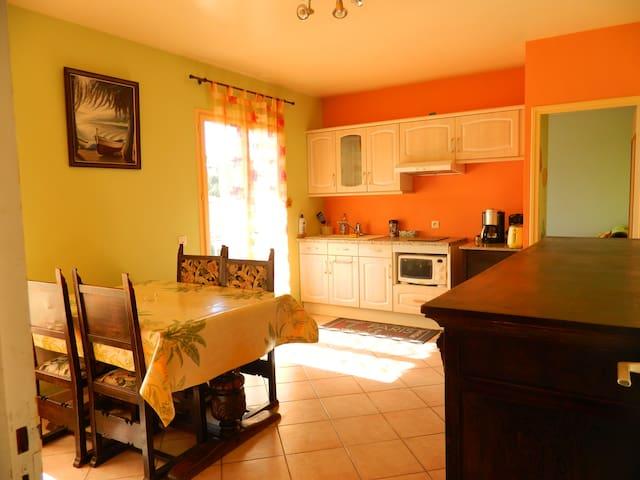 T3 logement entier, haut de villa, - Ollioules - Hus