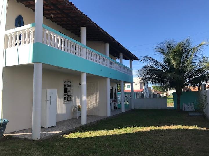 Casa em condomínio 50 metros da praia