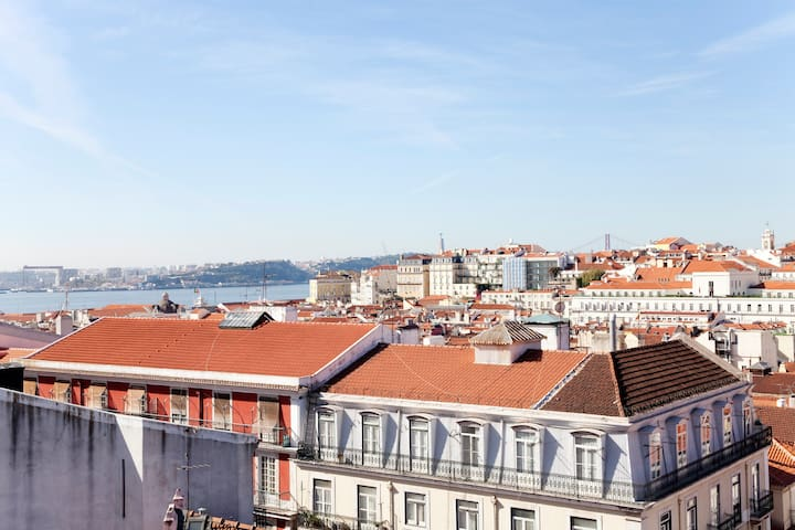 Charming Apartment Mouraria Castelo - Lizbon - Daire